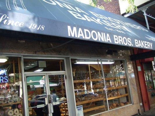 madonia-bros-bakery
